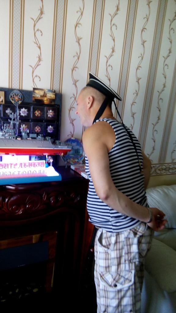 Лесаныч оценивает труд Сергея