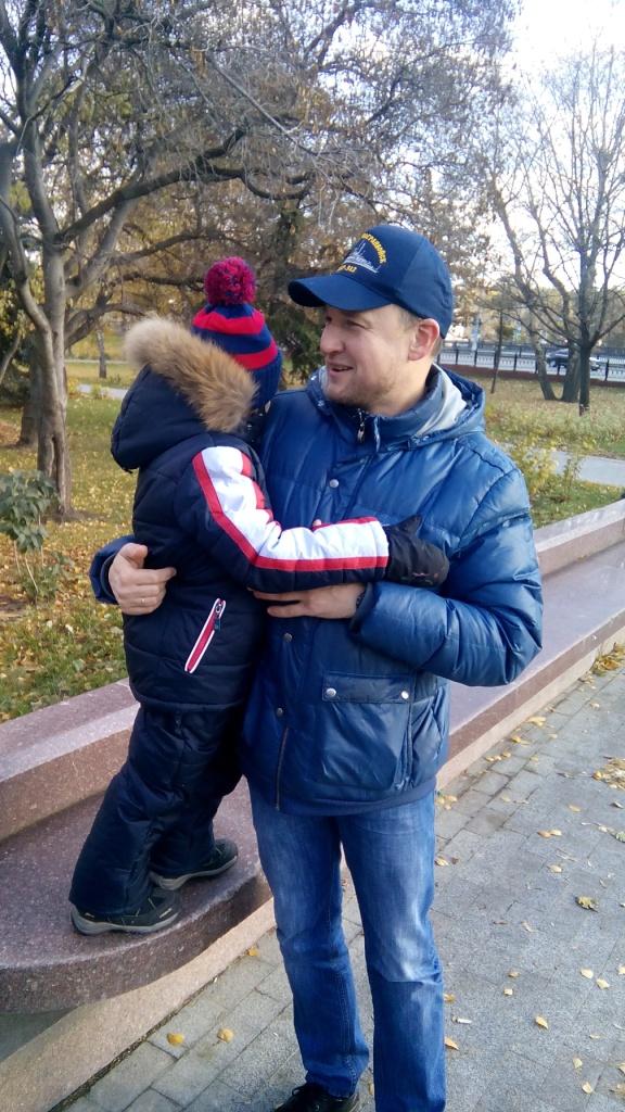 Евгений Михайлович слева