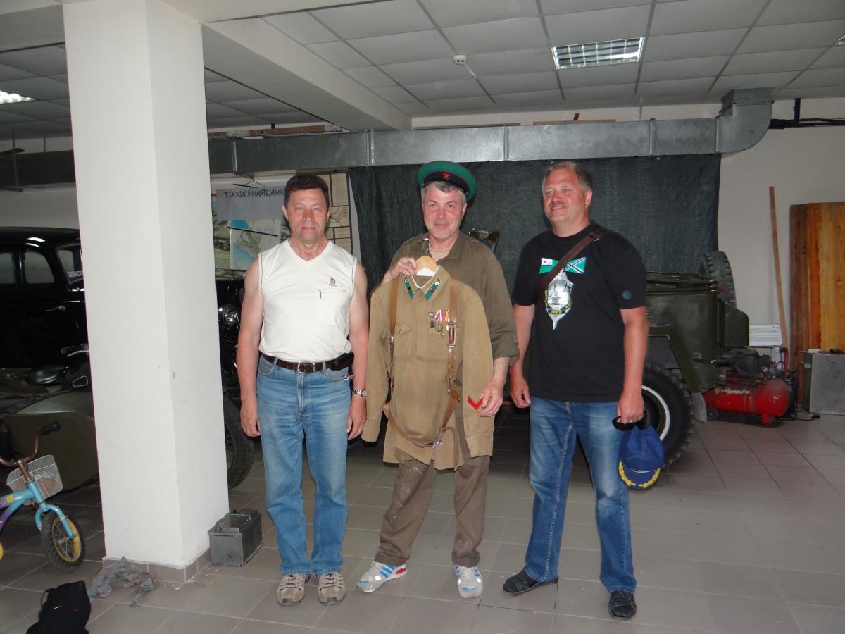 В гараже на 35-й батарее, Севастополь